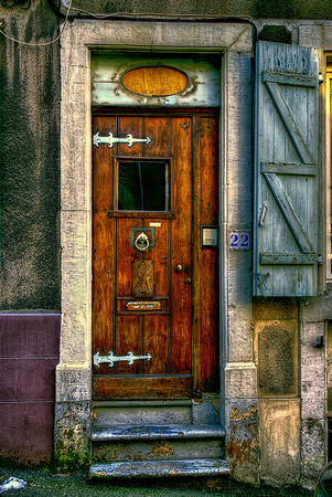 Boulogne Doorway